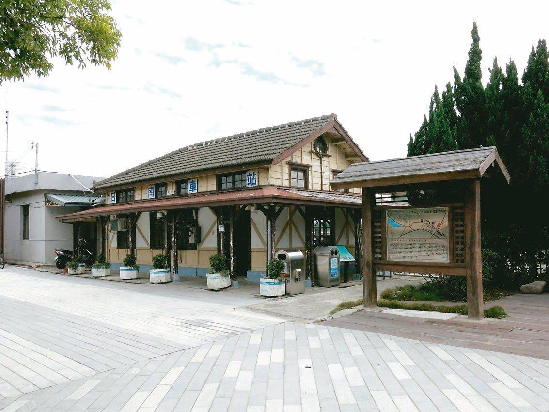 日南車站近百歲的歷史保存得非常完整。 記者黑中亮/攝影