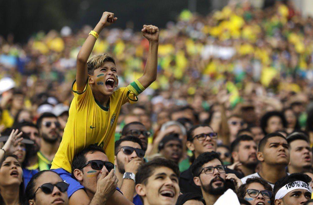 巴西8強戰將強碰比利時,這會是本屆實力最接近的戲碼。 美聯社