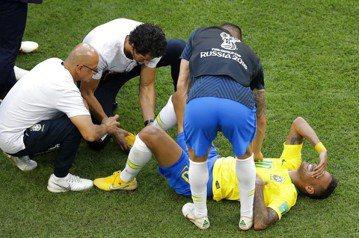 內馬爾世足花多少時間躺地上?瑞士電視台算給你看