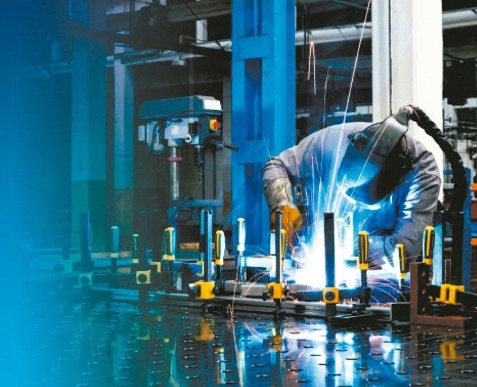 德國力格曼焊接工作桌,可因應超過5,000種以上的變化。 邁恩捷/提供
