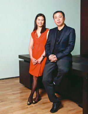 龍美術館創辦人劉益謙(右)、王薇。 圖/各業者提供