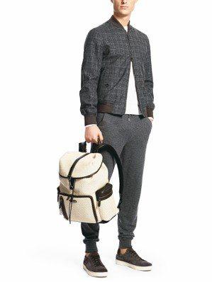 Pelle Tessuta專利編織皮革,則被Zegna廣泛用於配件上,透過後背包...