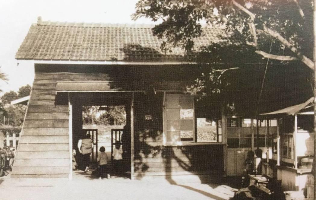 花蓮縣鳳林鎮的台鐵林榮車站,過去是當地居民重要的交通工具,但1982年時因台鐵台...