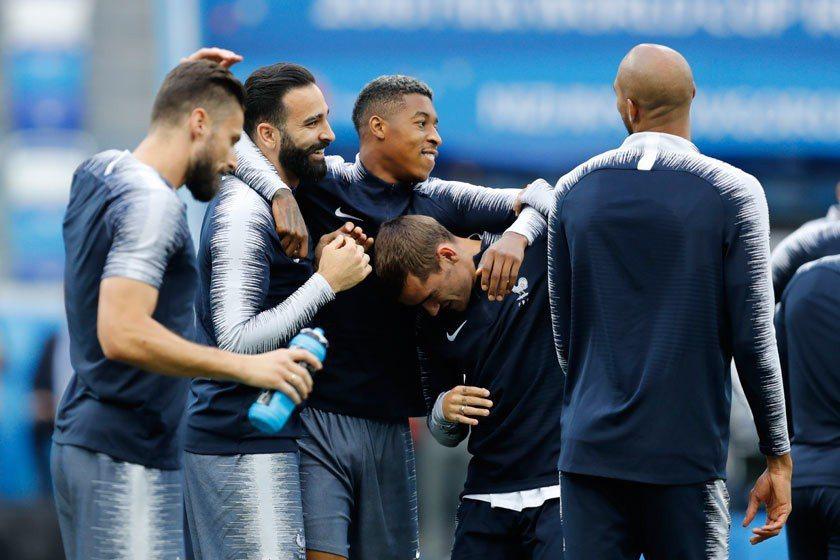 法國被看好能晉級最後四強,在賽前練習時球員也顯得一派輕鬆。 美聯社