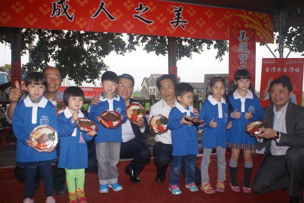 以台式便當行銷台灣優質米,在中國大陸造成轟動。 吳青常/攝影