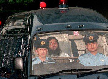 奧姆真理教案的死刑執行:教主麻原彰晃等7人處決
