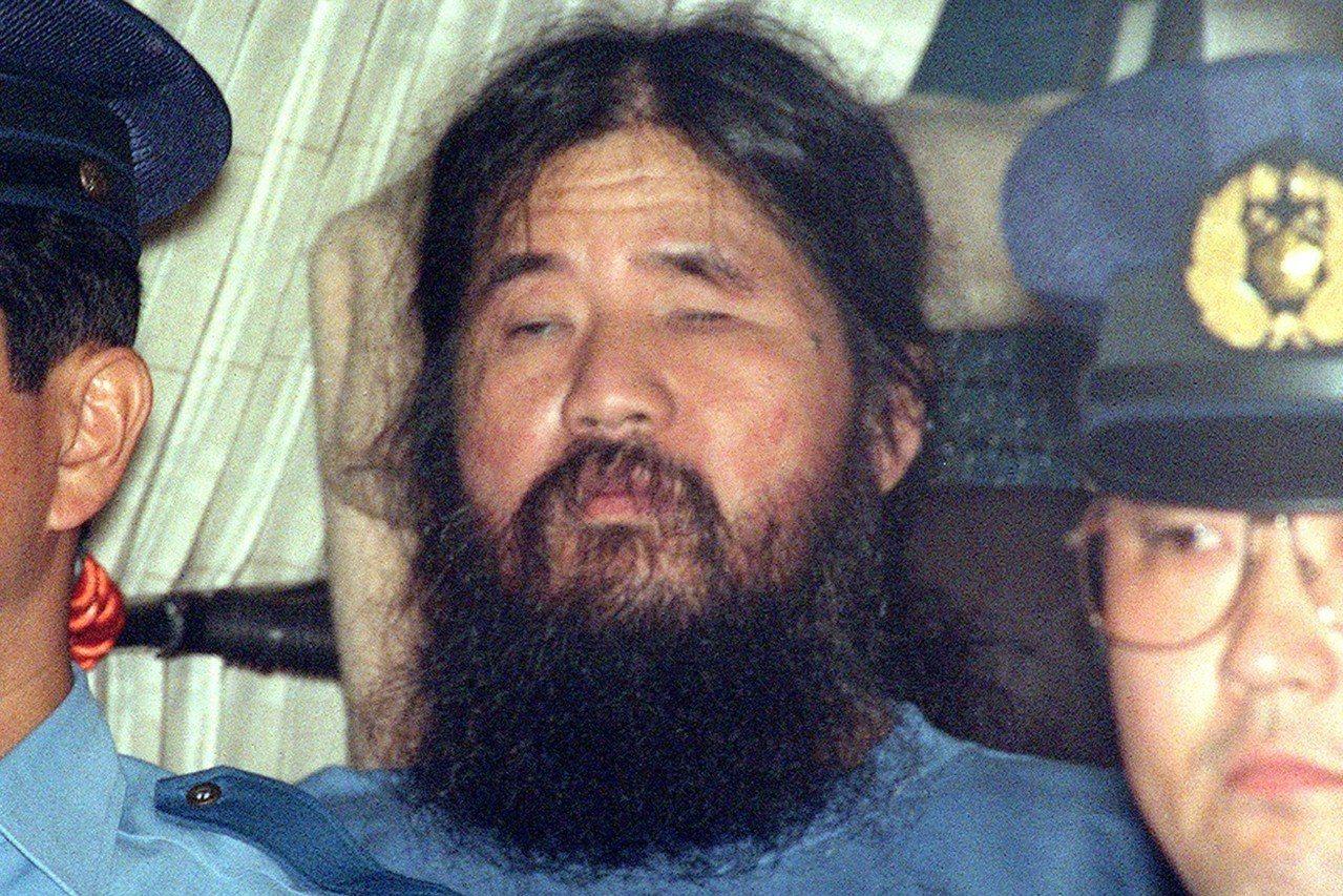 1995年東京地鐵沙林毒氣事件主謀、奧姆真理教主麻原彰晃,於(7月6日)執行死刑...
