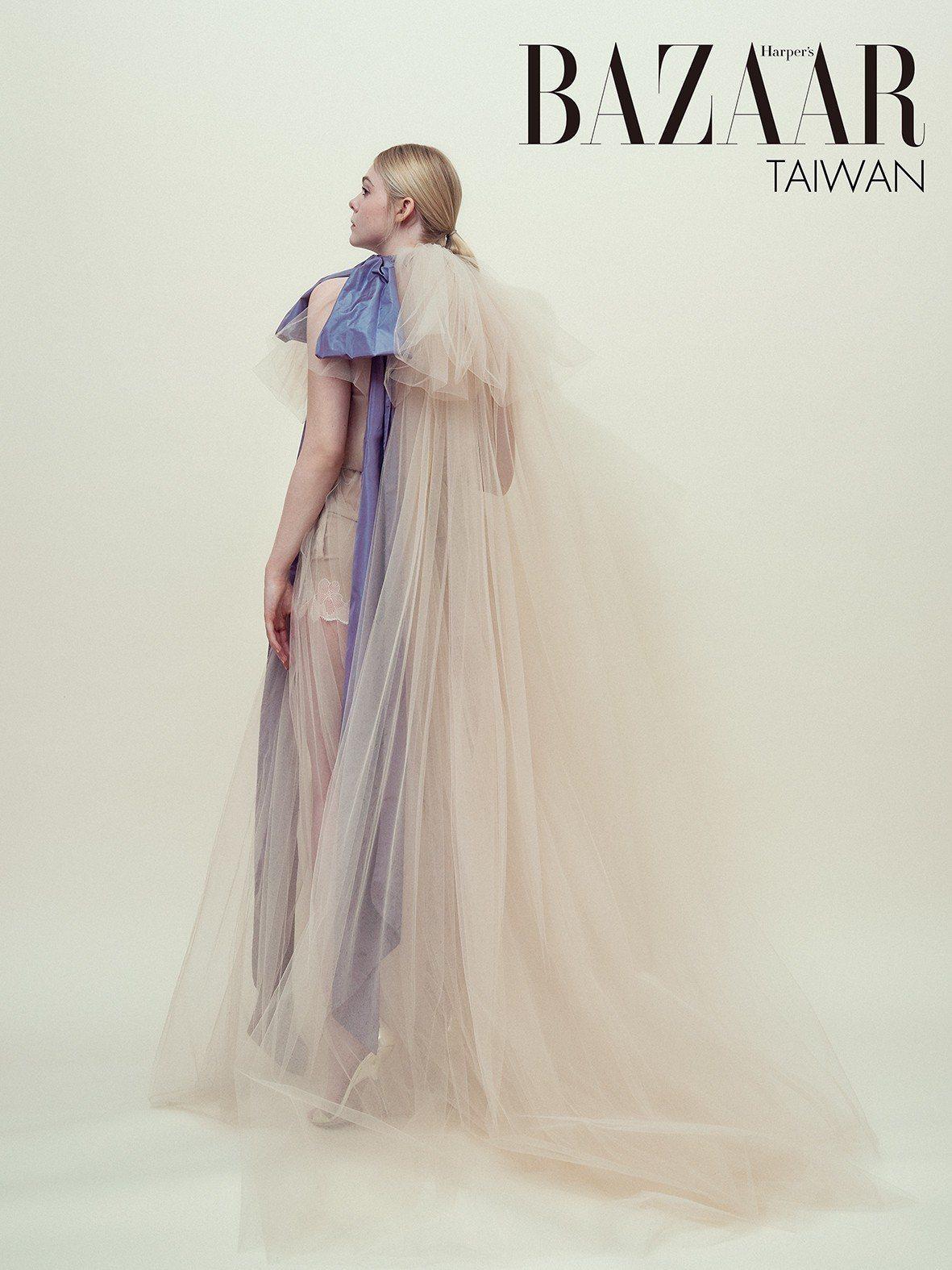 多層次虹彩雪紡長裙,Alexander McQueen