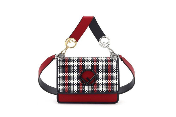 Kan I F黑白紅格紋肩背包,售價98,000元。圖/FENDI提供
