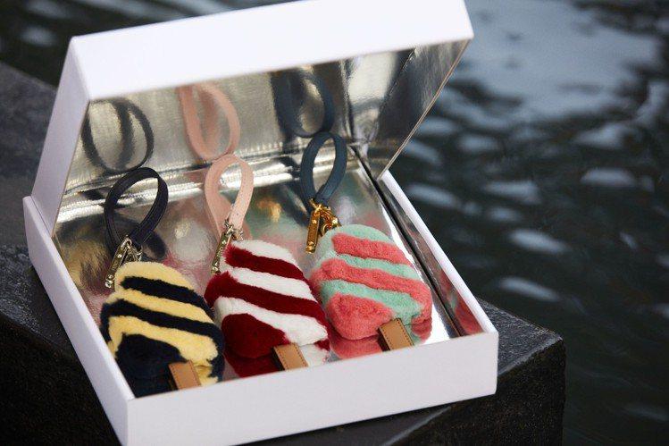 FENDI在2018早秋推出全新的雪糕包款吊飾。圖/FENDI提供