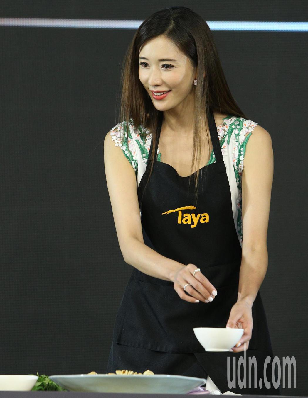 林志玲今天南下高雄代言廚具,爆乳絕美現身。記者劉學聖/攝影