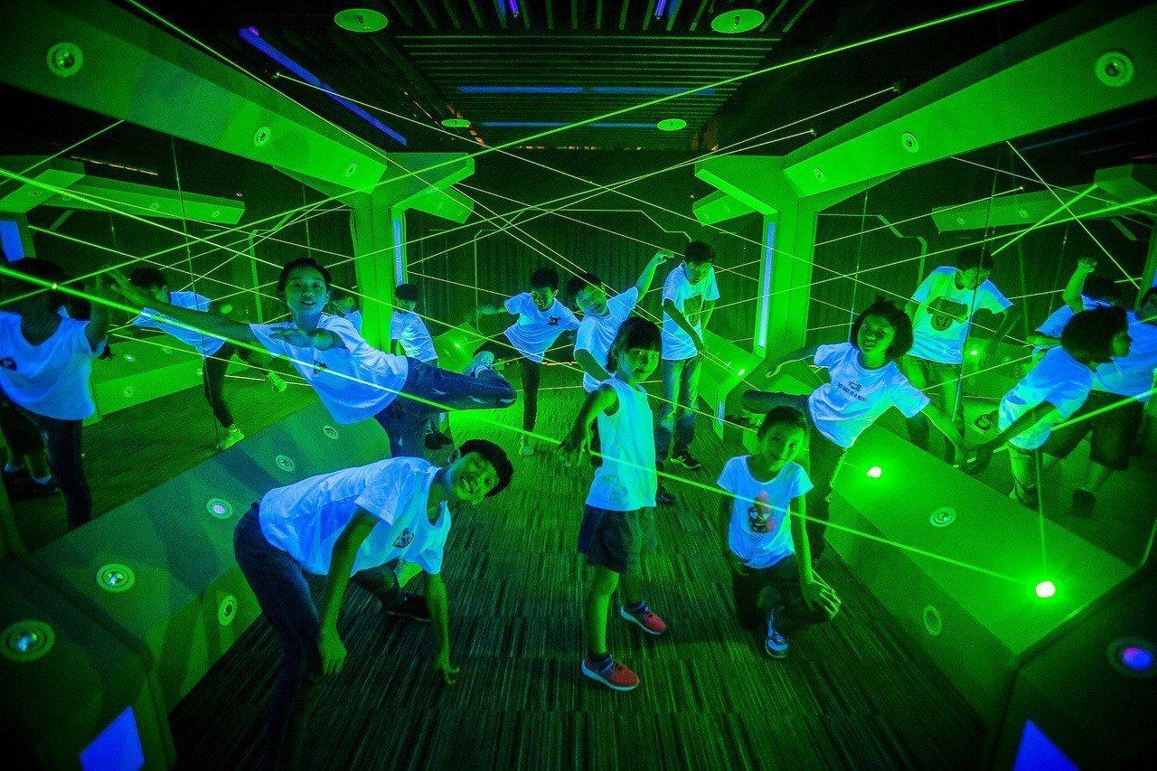 雷射迷宮是今夏飯店最新設施。圖/長榮鳳凰(礁溪)提供