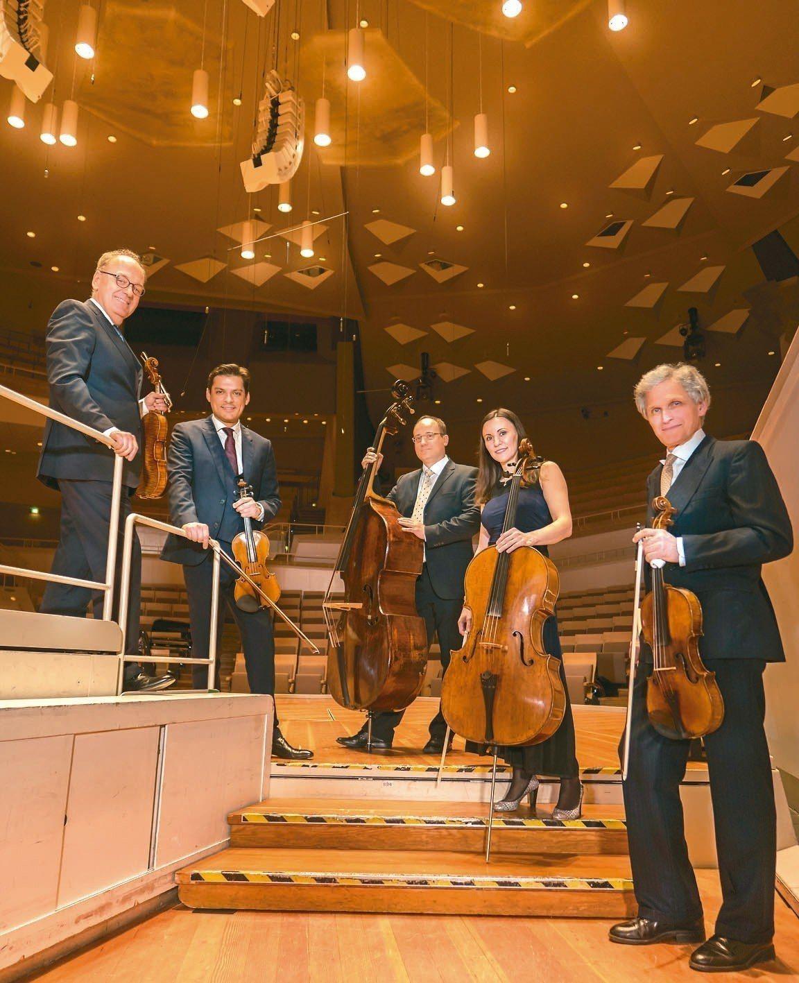 柏林愛樂弦樂五重奏本月下旬訪台,各大通路現正熱賣中。 圖/聯合數位文創提供