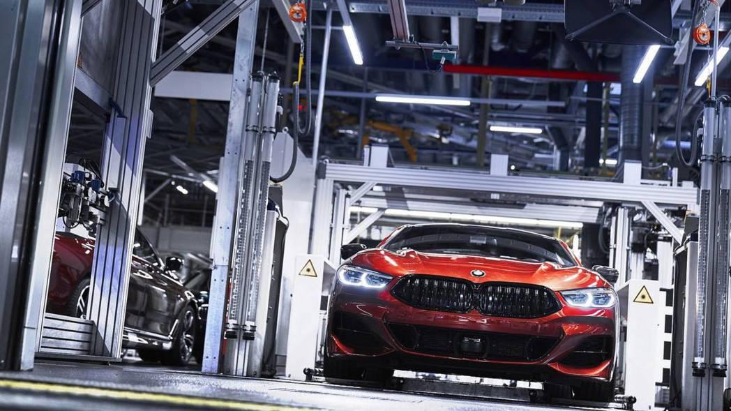 全新BMW 8 Series Coupe日前已進行生產。 摘自BMW