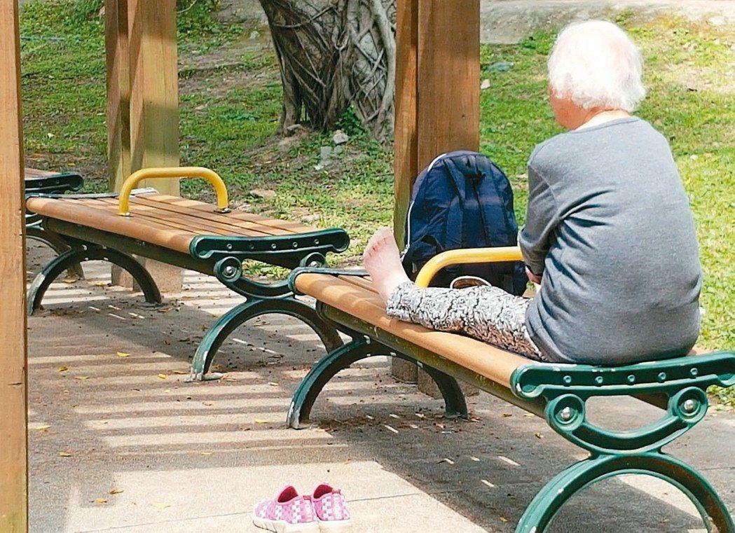 台灣邁入高齡社會,構建長期照顧網,是刻不容緩的議題。  圖/曾學仁