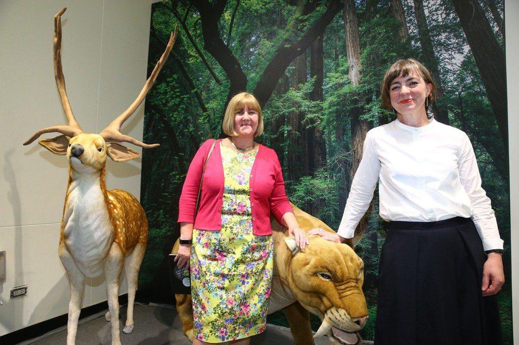 大英自然史博物館觀眾經驗暨推廣教育主管Dr. Alexandra Burch(右...