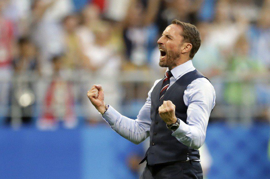 英格蘭球迷希望教頭邵斯蓋特能封爵。 美聯社