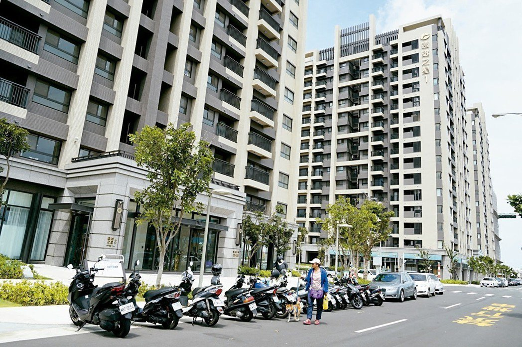 潛銷預約衝破五成的「遠雄之星6」,受到鄰近台中港三井Outlet Park、國民...