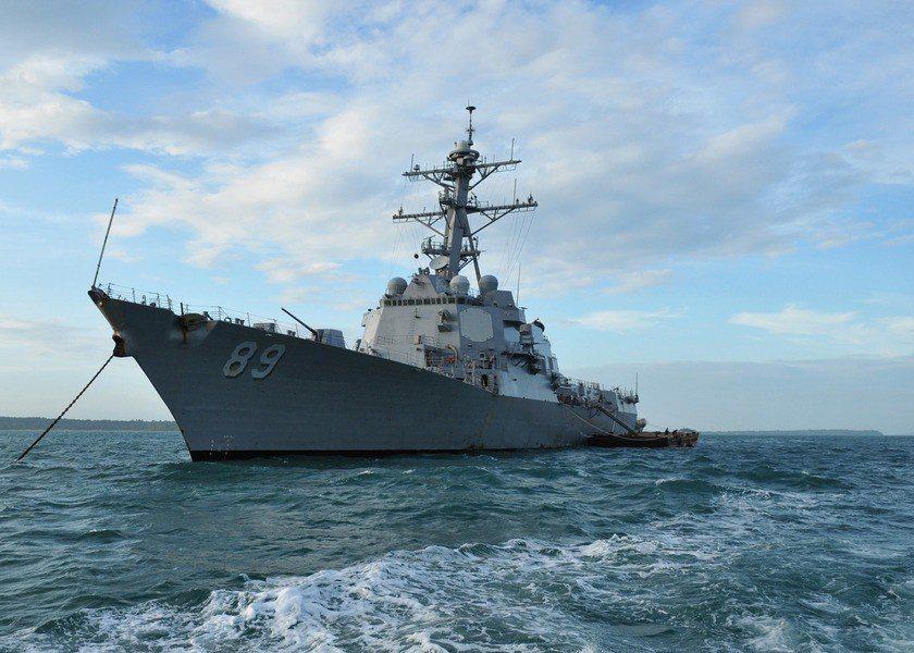 美軍艦駛入台海 專家:牽制中國