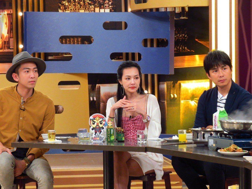 孫協志(右)自爆曾吃飯吃到被打。圖/衛視中文台提供