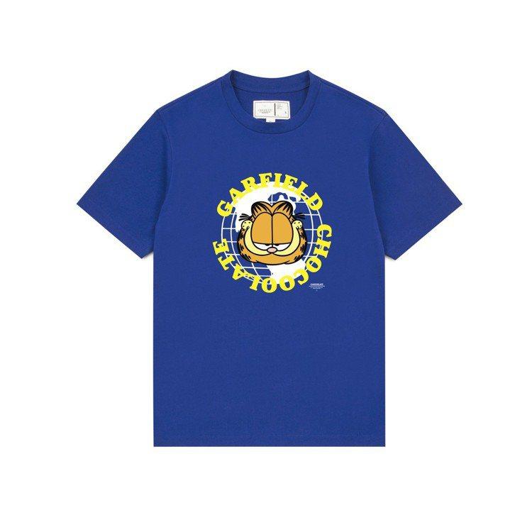 :CHOCOOLATE與經典卡通加菲貓推出聯名T恤,約1,099元。圖/I.T提...