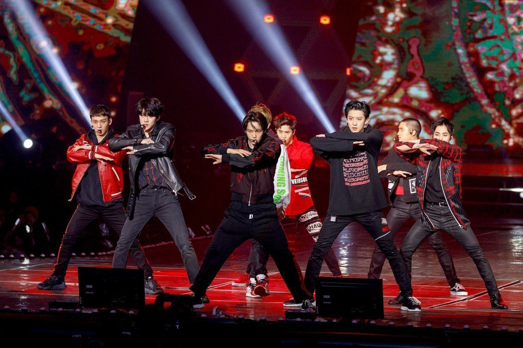 EXO演唱會上有不少粉絲偷拍被抓。圖/超級圓頂提供