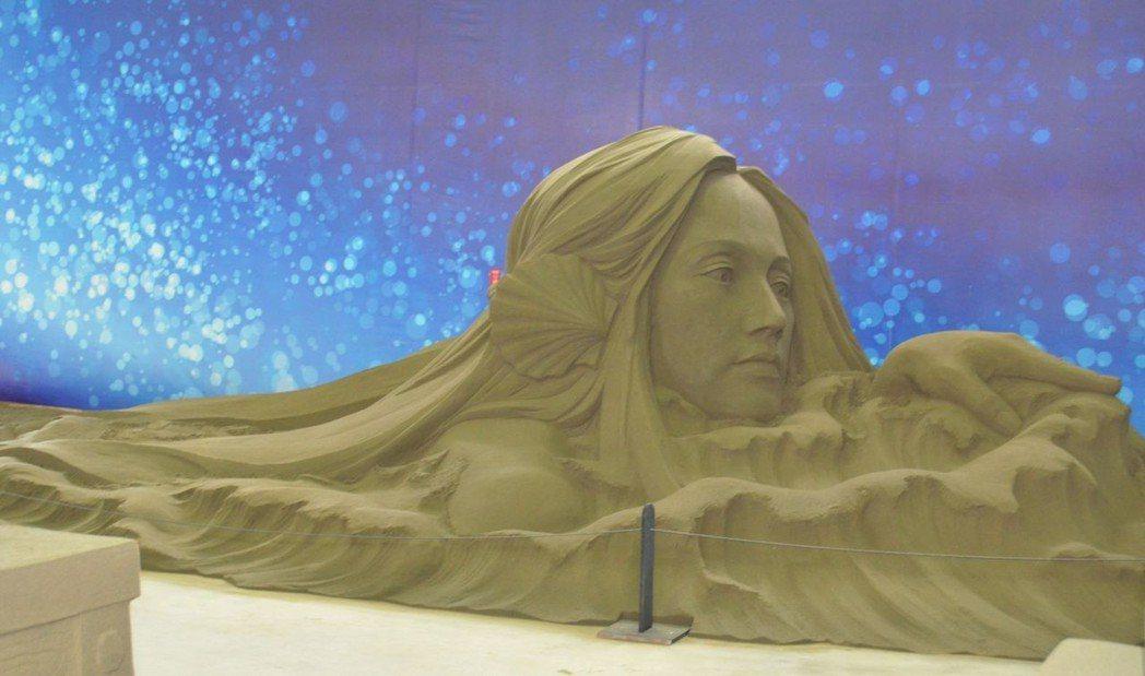 栩栩動人的沙雕作品。  陳慧明 攝影