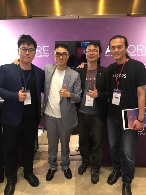 圖為寶島金融CEO謝國樑(左二)、LeadBest共同創辦人CEO李佳憲(左三)...