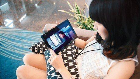 愛爾達統計,透過OTT平台與頻道收看的用戶點閱率將近1億次,也證明新媒體在台灣已...