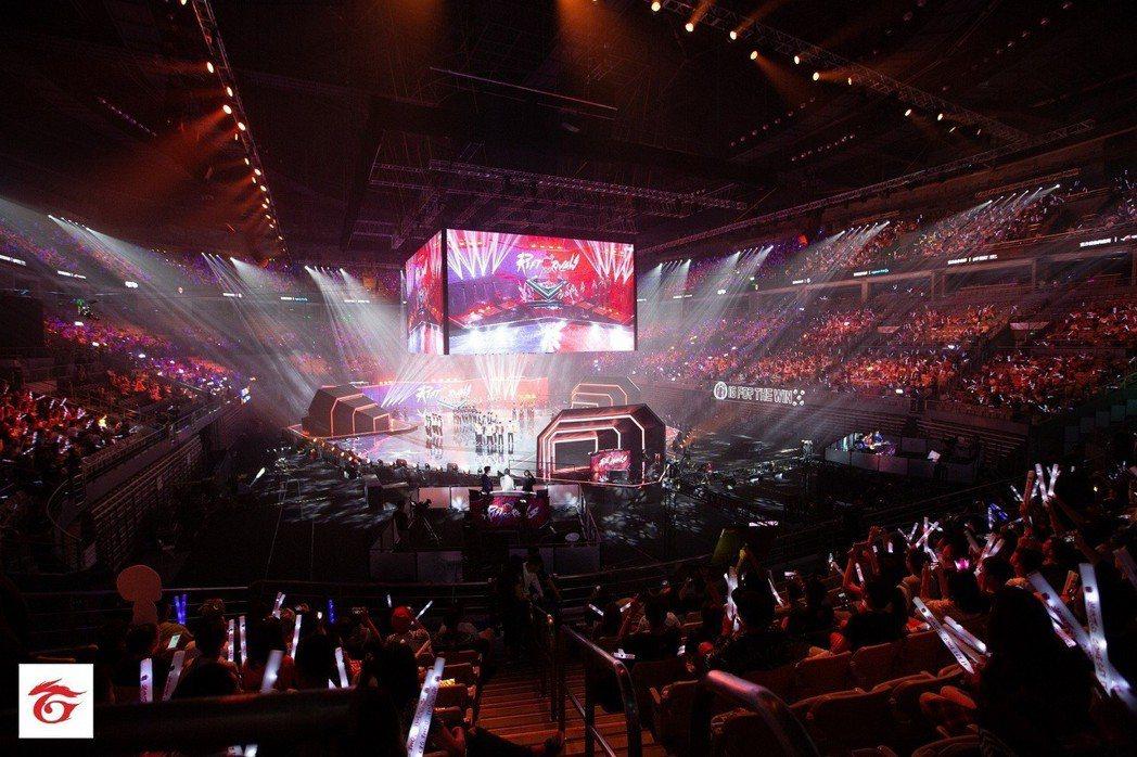 總決賽精彩開幕式,將全場玩家情緒帶至最高點。