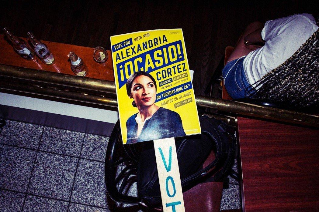記住她的名字——亞歷山卓亞.歐加修-寇蒂茲——因為她可能是美國政黨政治的新開端?...