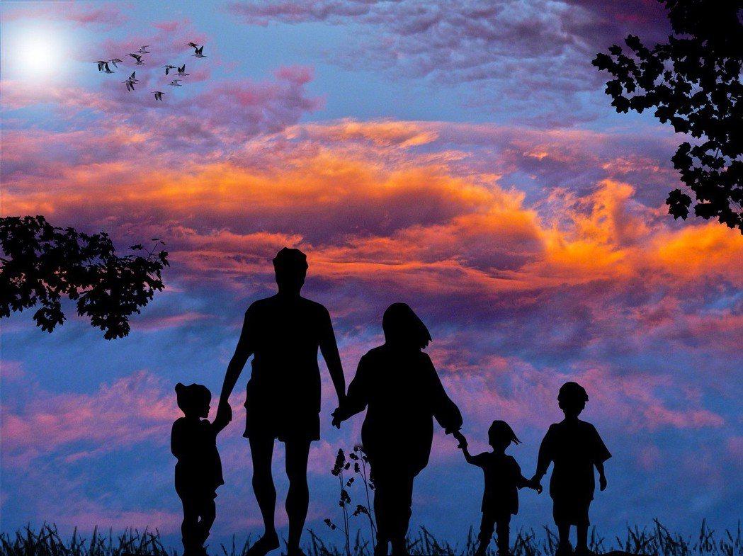 生命是累積的,不僅止於個人的生命經驗,還包括我們的祖先。圖/pixabay提供