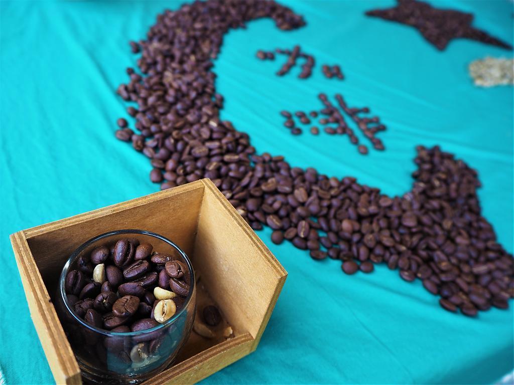 ▲阿里山旅遊景點-咖啡包DIY體驗。(圖/Tripbaa趣吧!亞洲自由行專家)