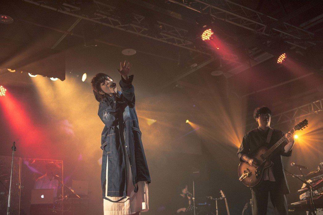 Vast&Hazy才剛推出新專輯,演唱會就吸引千名歌迷捧場。圖/添翼提供