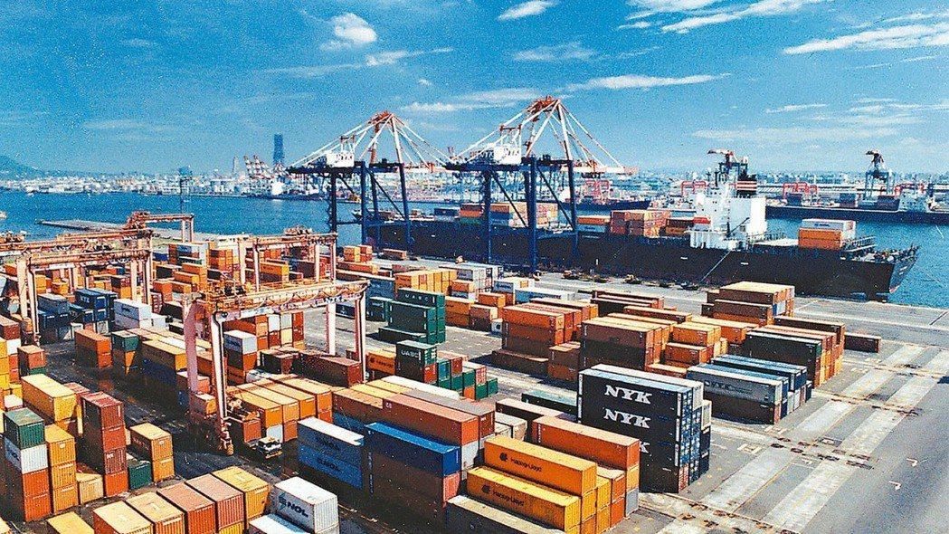 台灣4月出口連續六個月負成長。 報系資料庫