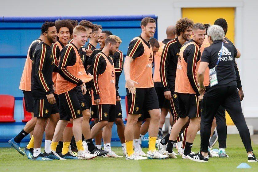 比利時球員組成複雜,除了有荷法語區分別外,還有外裔血統球員,要如何凝聚團隊向心力...