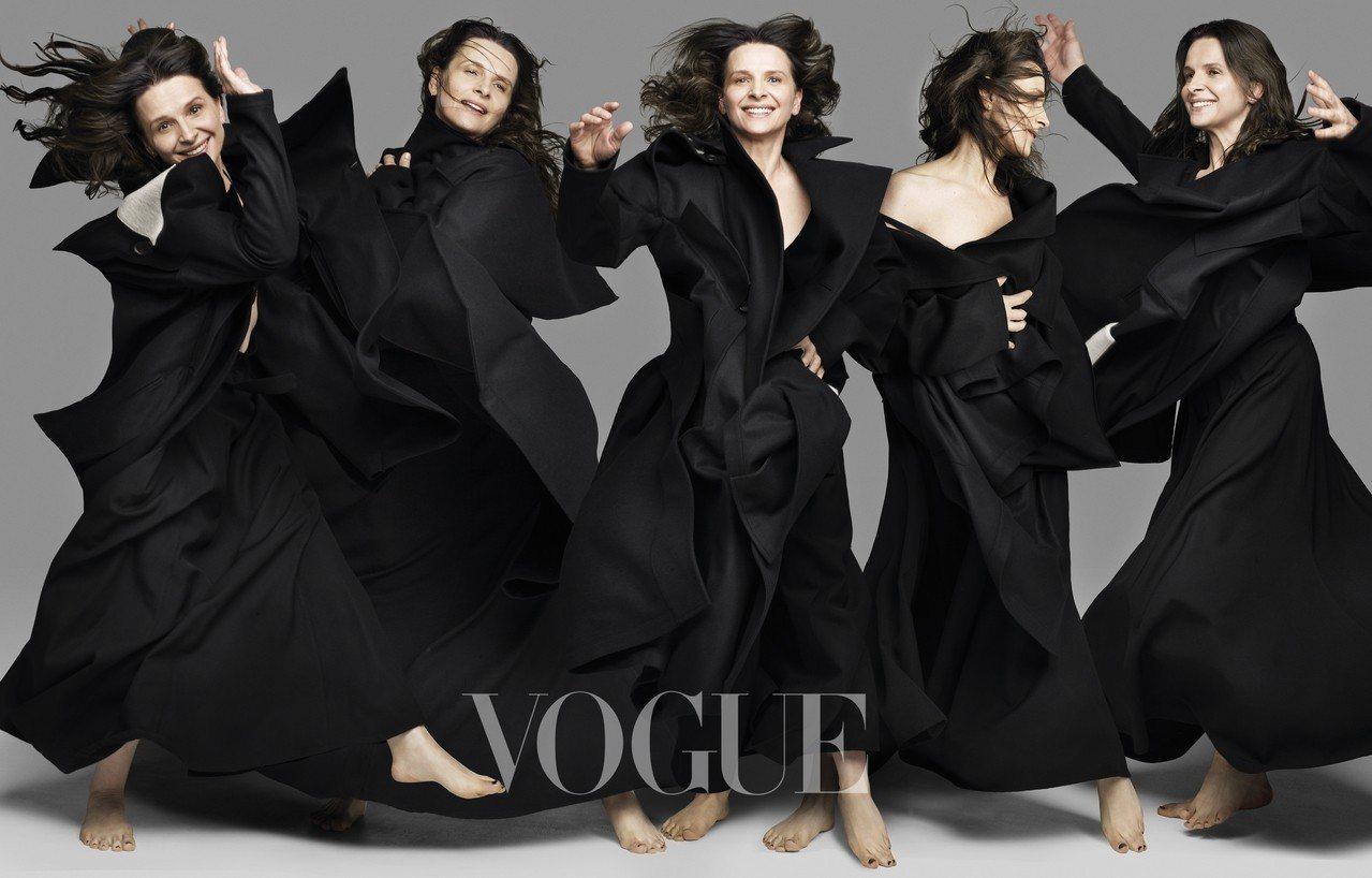 黑色大衣、黑色長洋裝(Yohji Yamamoto)