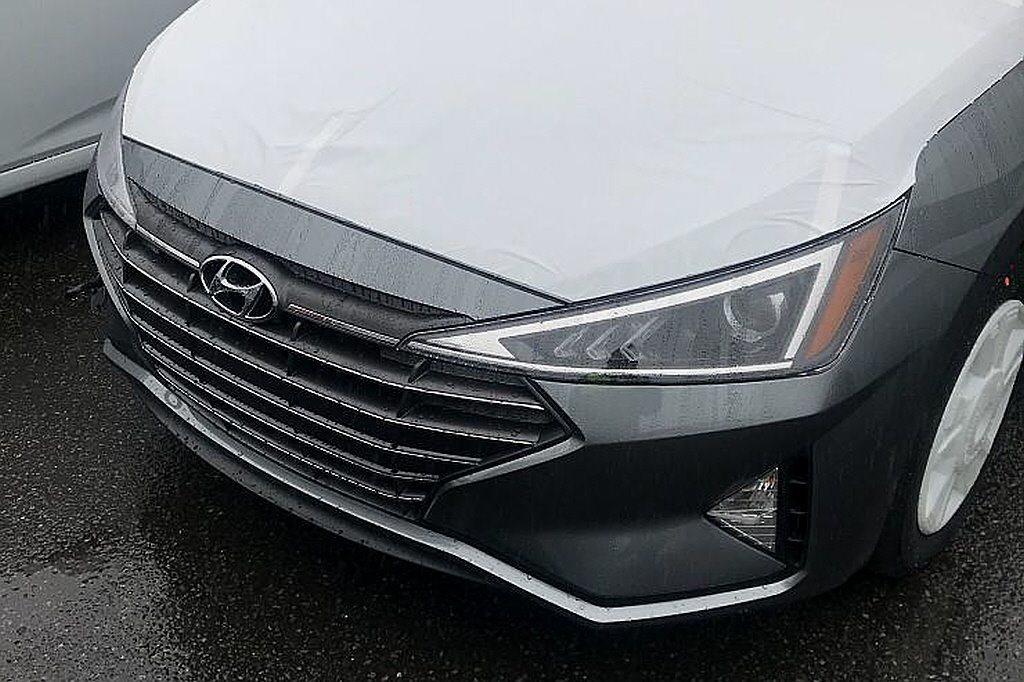 小改款Hyundai Elantra間諜照。 摘自Naver