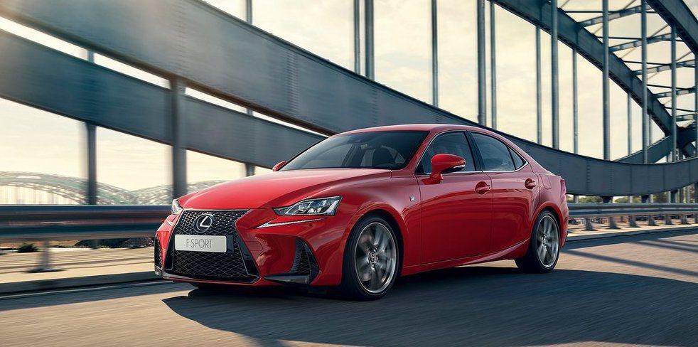 Lexus IS車系主要對手為BMW 3系列與M.Benz C-Class。 摘...