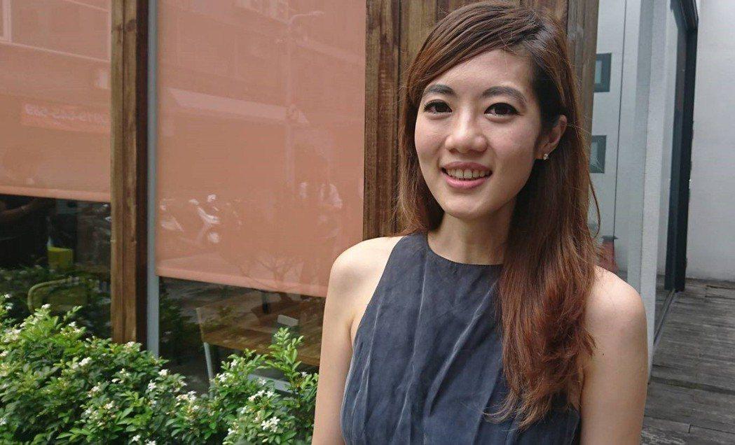 台北醫學大學口腔醫學院調查發現,半月型的笑容最受歡迎。記者羅真/攝影