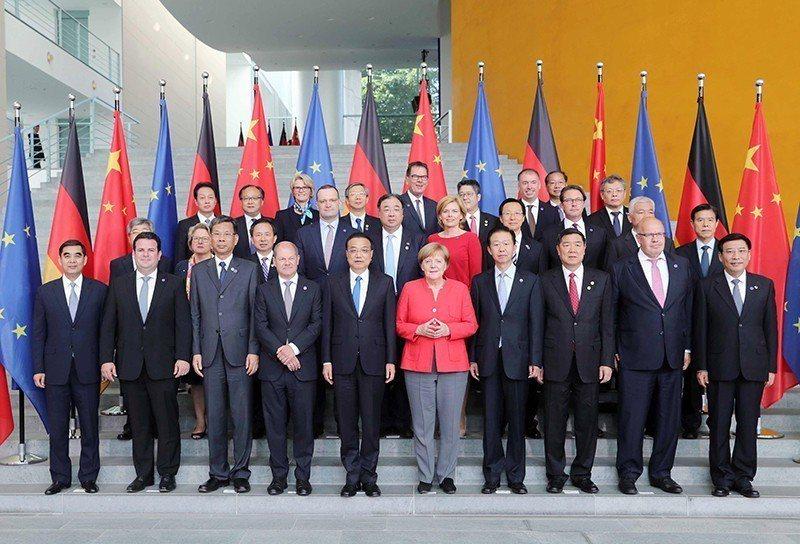 李克強9日與德國總理梅克爾舉行會談,梅克爾承諾,德方願發揮自身優勢同中方開展「工...