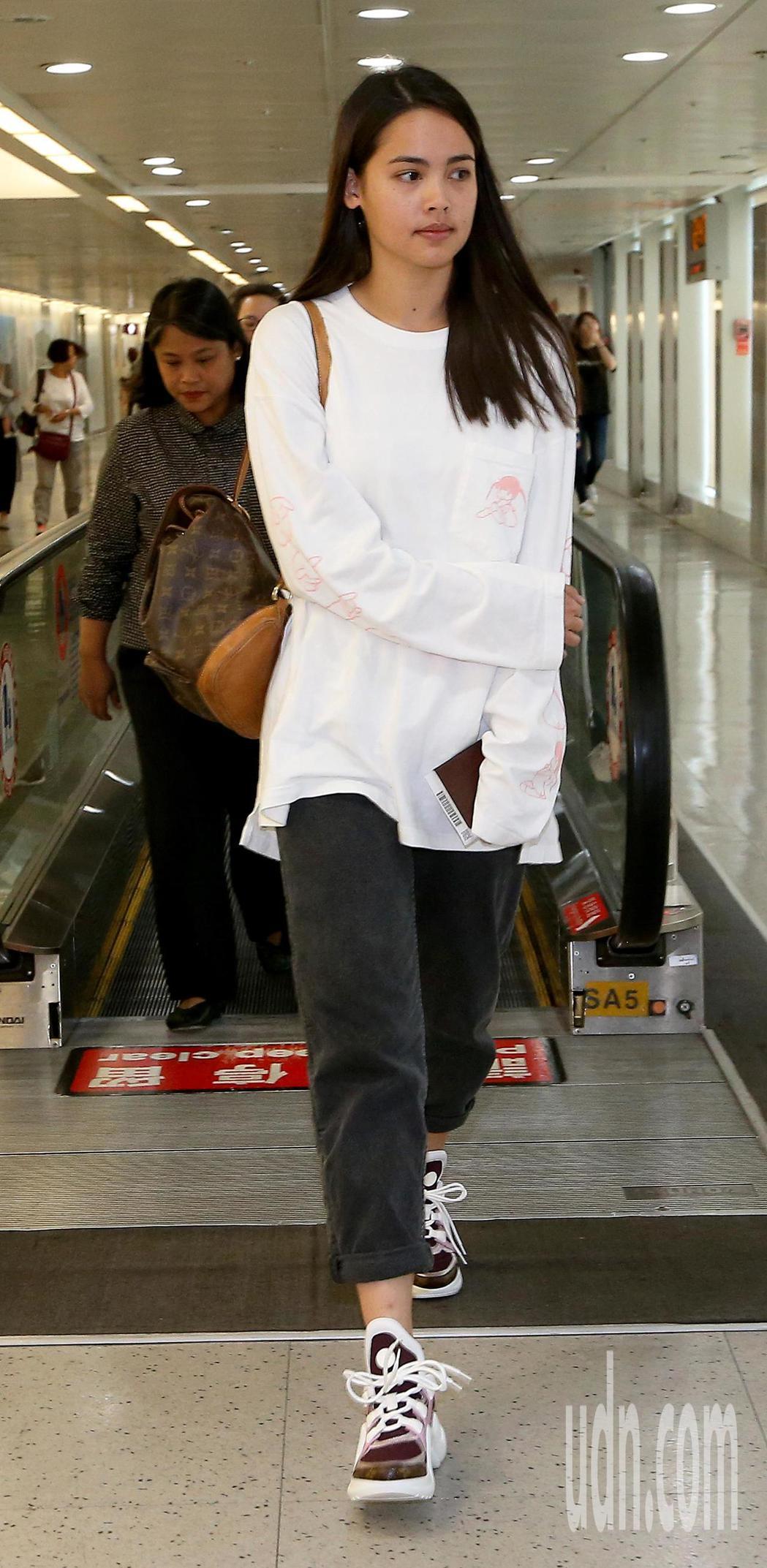 泰國電影《把哥哥退貨可以嗎》女主角YAYA,10日中午搭機抵台。記者陳嘉寧/攝影