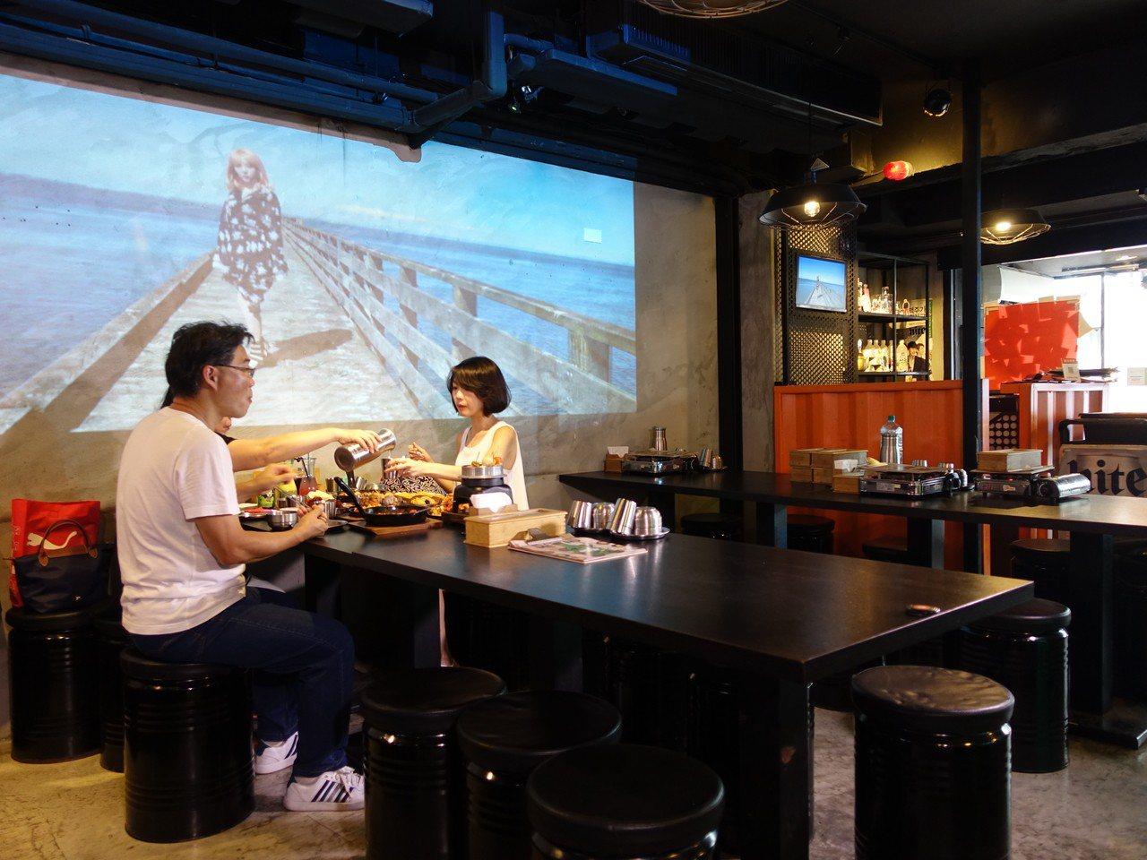東區韓式熱炒Pocha整裝開幕。記者張芳瑜/攝影