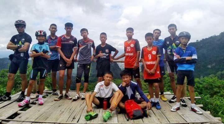 受困洞穴的泰國足球隊13人,在10日全數獲救。 (路透)