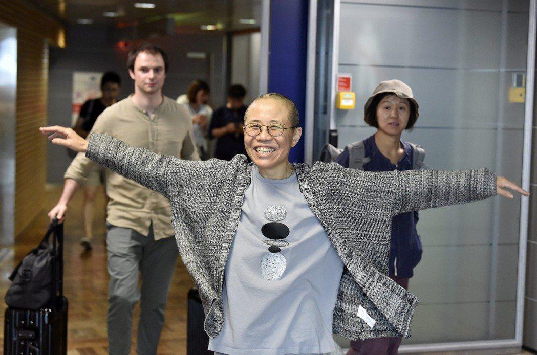 德國積極奔走,諾貝爾和平獎得主劉曉波遺孀劉霞終獲釋放。美聯社