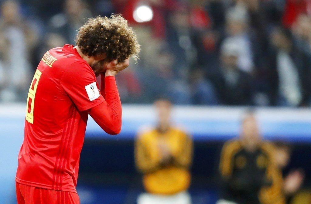 世界盃各國球員沒踢進的反應幾乎千篇一律,都是用雙手抱頭露出懊惱表情。為何如此,專...