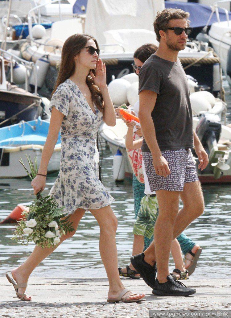 碧夏佛很喜歡穿繽紛花卉圖樣的洋裝和禮服。圖/達志影像