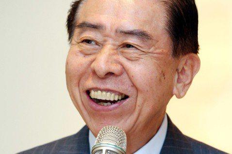 軍友社理事長李棟樑也是懷恩慈善基金會創辦人。記者林俊良/攝影
