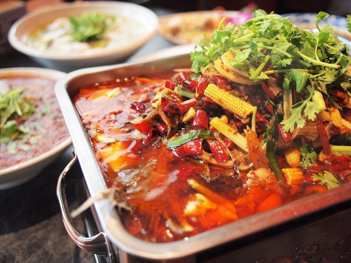 (圖/台灣旅行趣) ▲有魚有菜,豐富的配料讓人吃得好滿足。