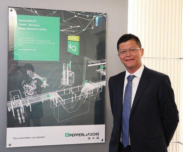 圖2 : 台灣倍加福工廠自動化產品經理張凱傑指出,企業可先在局部安裝IO-Lin...